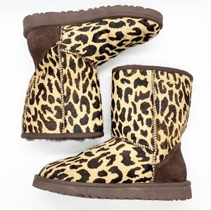 UGG CLASSIC LOW BOOT W/CALF HAIR LEOPARD PRINT sz6